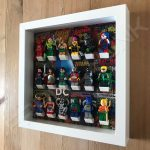 LEGO DC Comics minifigure display frame in White with minifigures side view