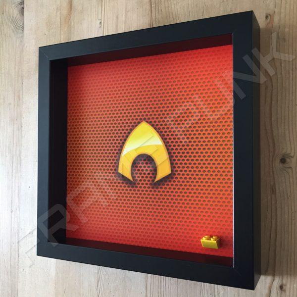 LEGO Aquaman Minifigure display frame Side View
