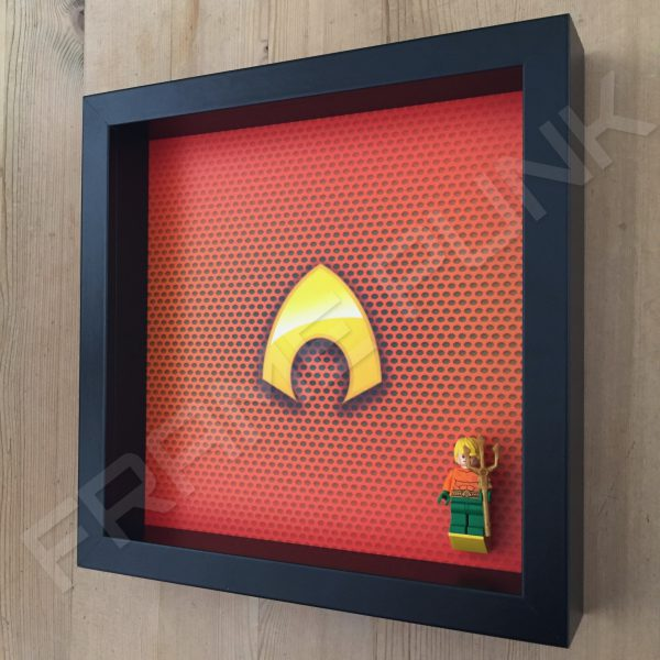 LEGO Aquaman Minifigure display frame with minifigure Side View