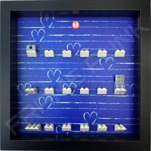 FRAMEPUNK black display frame compatible with LEGO Disney Minifigures Series 2 (Heart)